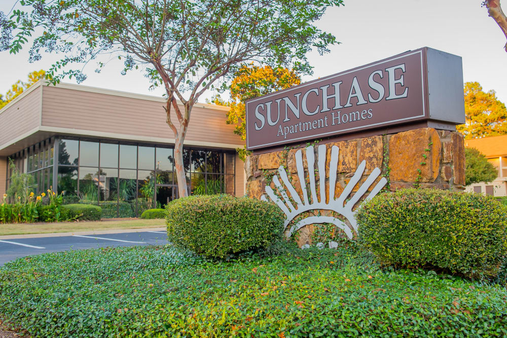 Front sign at Sunchase Ridgeland Apartments in Ridgeland, Mississippi