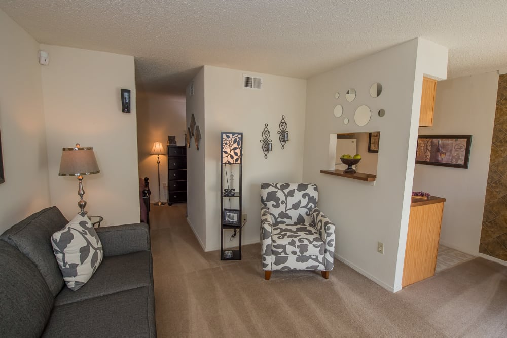 Spacious living room at Sunchase Ridgeland Apartments in Ridgeland, Mississippi