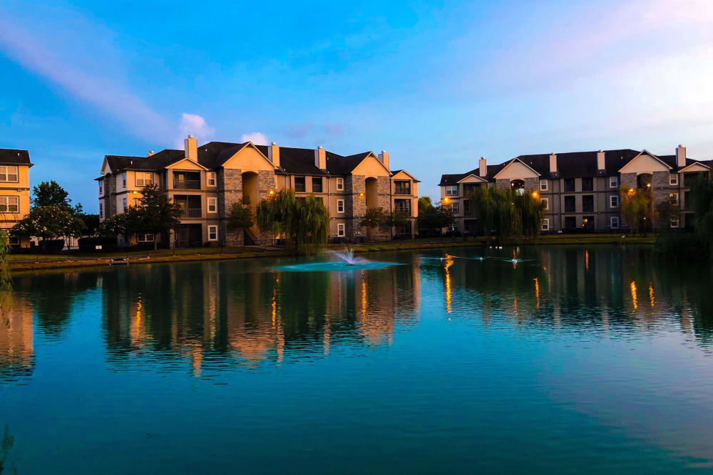 Lakeside view of apartments at Belmere Luxury Apartments in Houma, LA