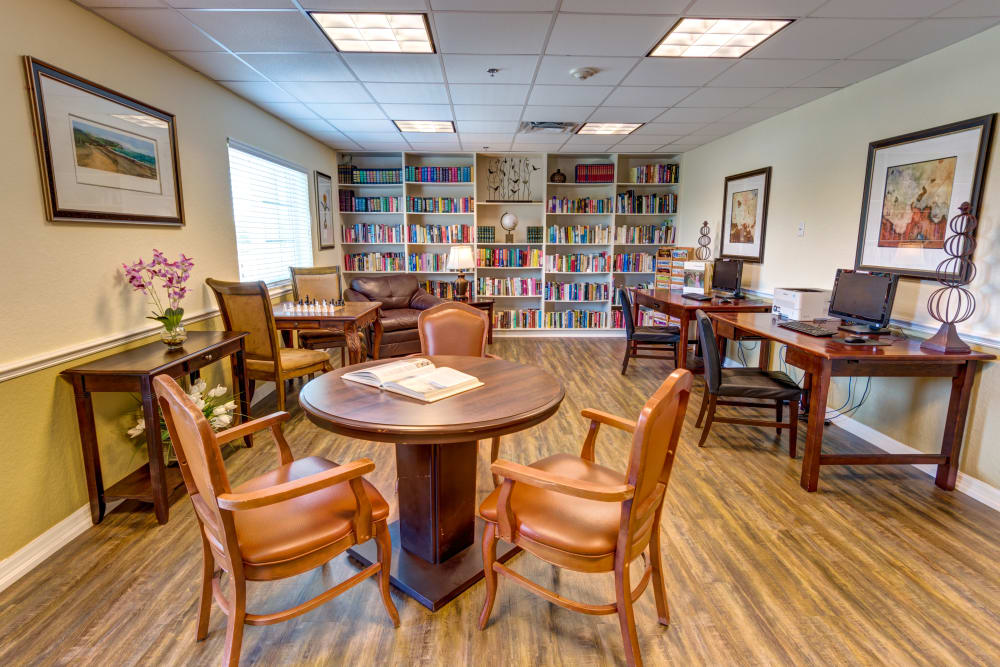 Resident library and activity room at Brentwood at St. Pete in St. Petersburg, Florida.