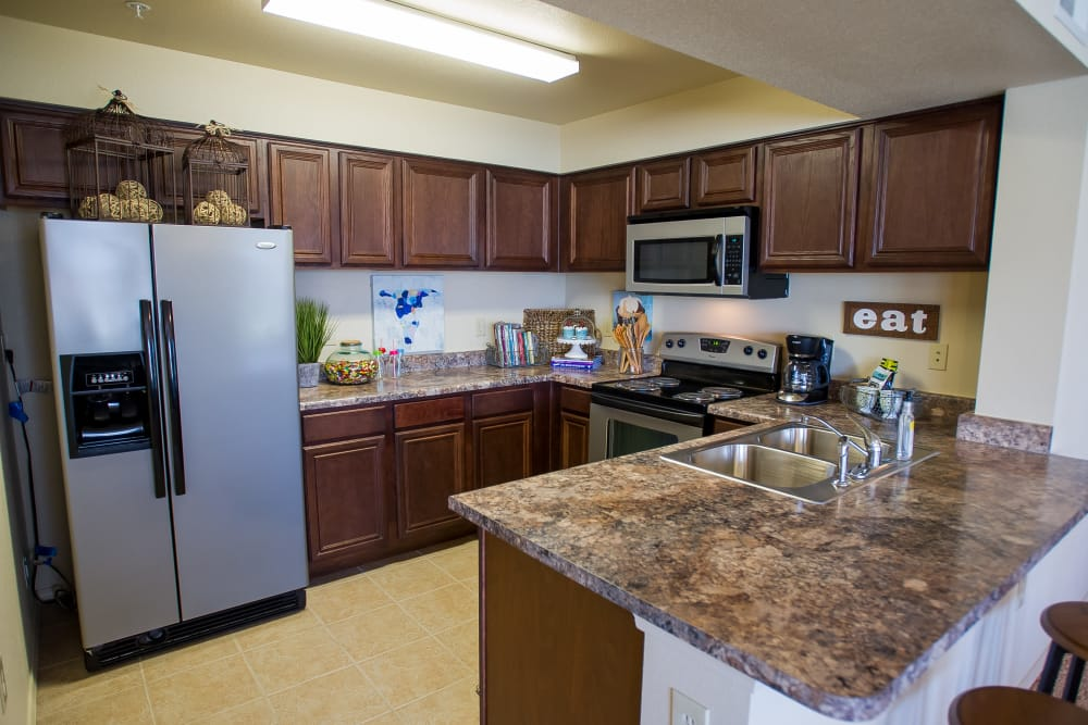 Fully equipped kitchen at Tuscany Hills at Nickel Creek in Tulsa, Oklahoma