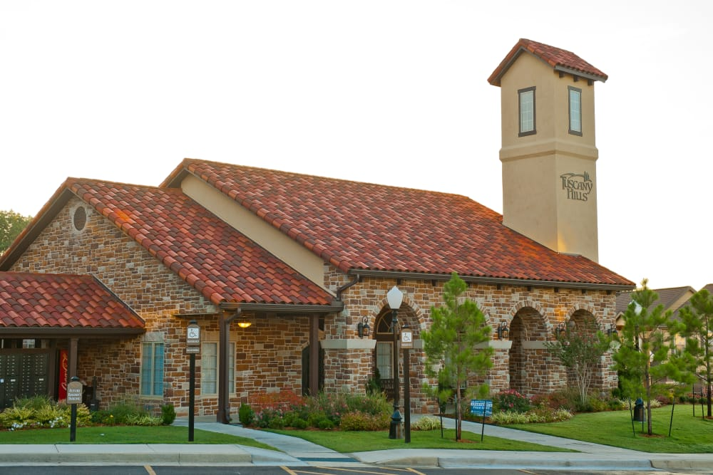 Exterior of Tuscany Hills at Nickel Creek in Tulsa, Oklahoma