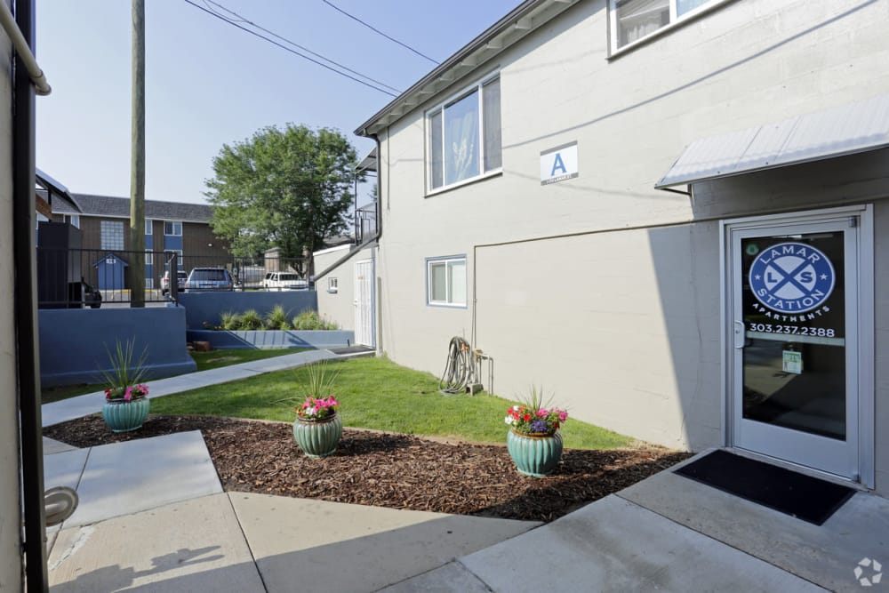 Sunny courtyards at Lamar Station Apartments in Lakewood, CO