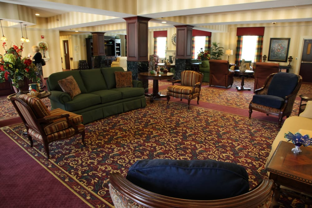 Cozy lounge seating at The Villages at Historic Silvercrest in New Albany, Indiana