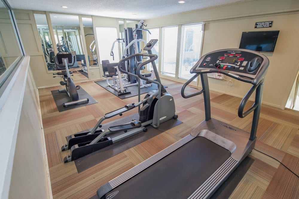 Fox Run Apartments offers a fitness center in Wichita, Kansas