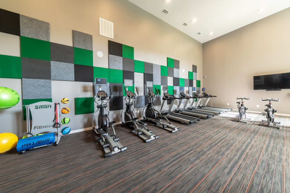 Spacious fitness center at Aspire at 610 in Houston, Texas