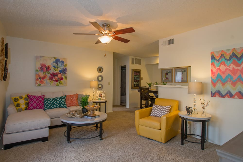 Spacious living area at Cimarron Trails Apartments in Norman, Oklahoma