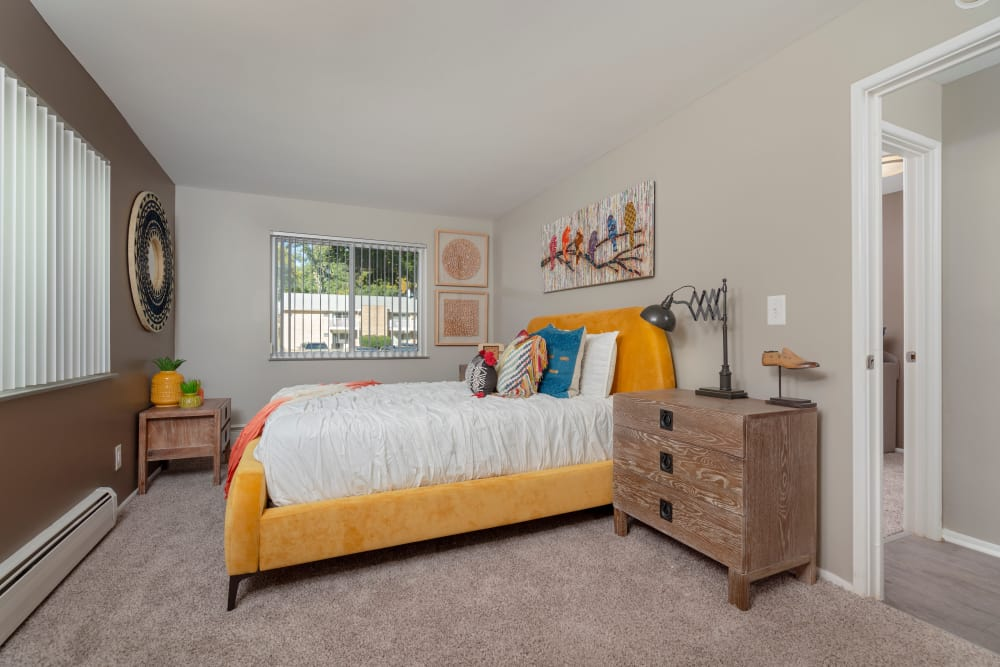 Photos of Ann Arbor Woods Apartments in Ann Arbor, MI