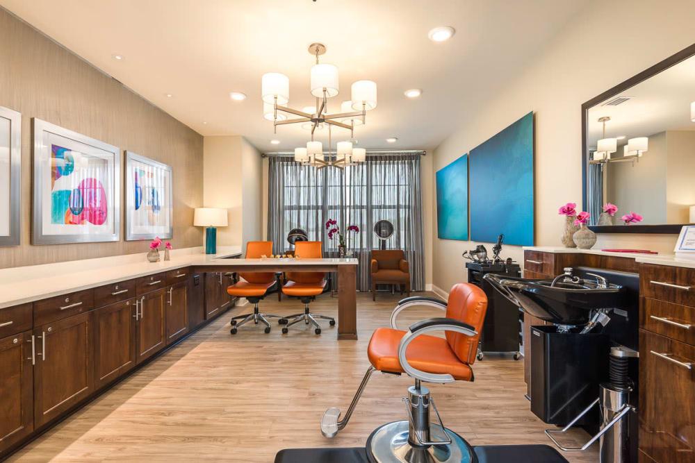 Salon at Stonecrest at Burlington Creek in Kansas City