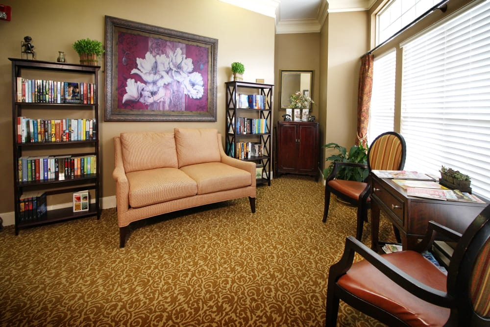 Reading room for our residents at Reunion Court of Kingwood in Kingwood, Texas