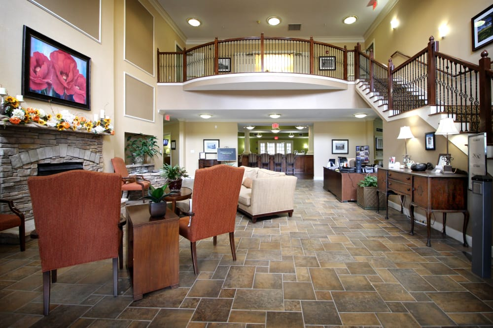 Common room at Reunion Court of Kingwood in Kingwood, Texas