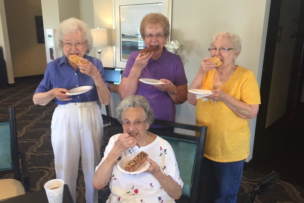 A group of residents eating at North River Health Campus in Evansville, Indiana