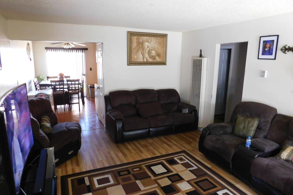 Beautiful living room at Buchanan Gardens in Antioch, California