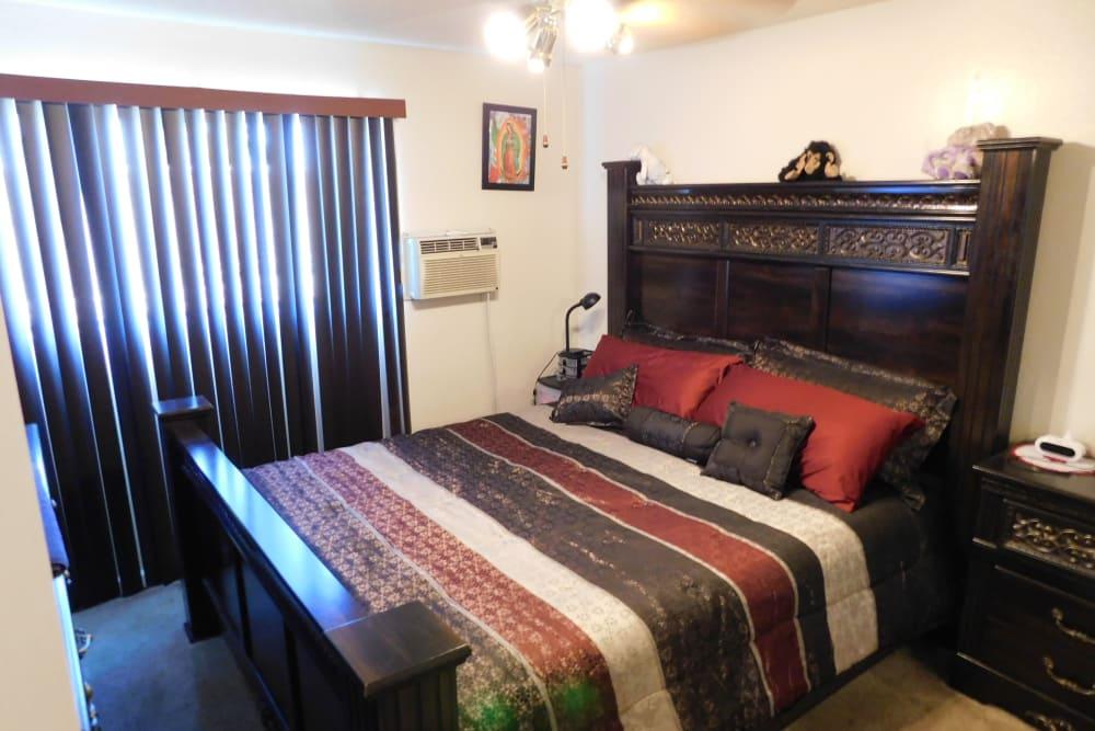 Beautiful bedroom at Buchanan Gardens in Antioch, California