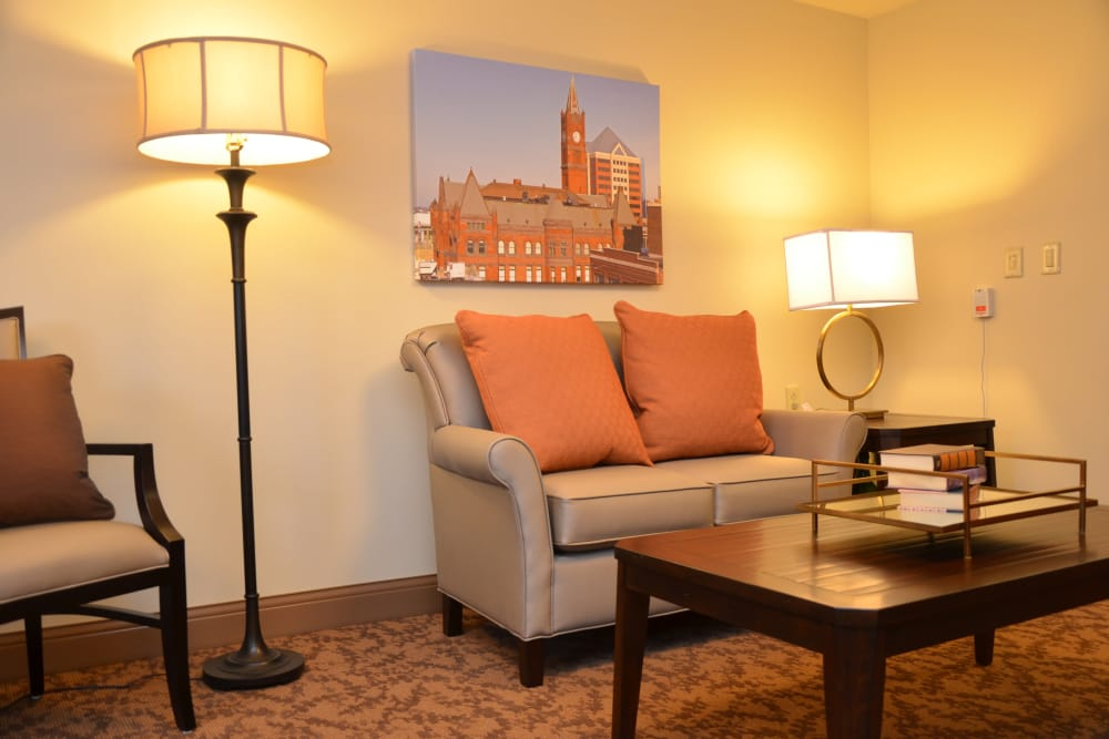 Comfortable lounge seating at Arlington Place Health Campus in Indianapolis, Indiana
