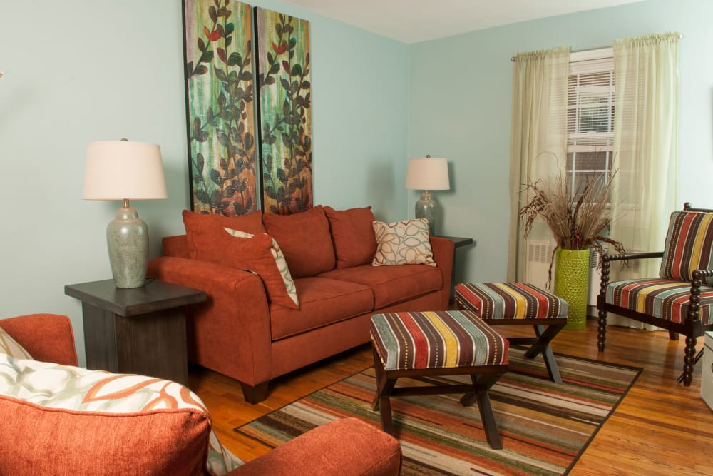 Enjoy a spacious living room at Oakmont Park Apartments in Scranton, Pennsylvania