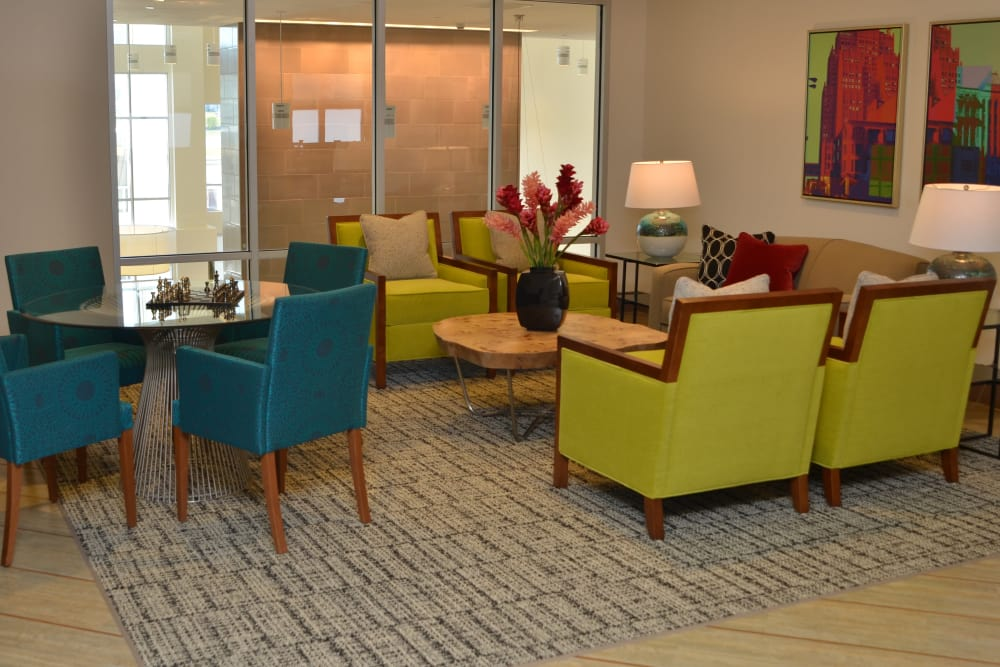 Resident lounge at Wellbrooke of Carmel in Carmel, Indiana