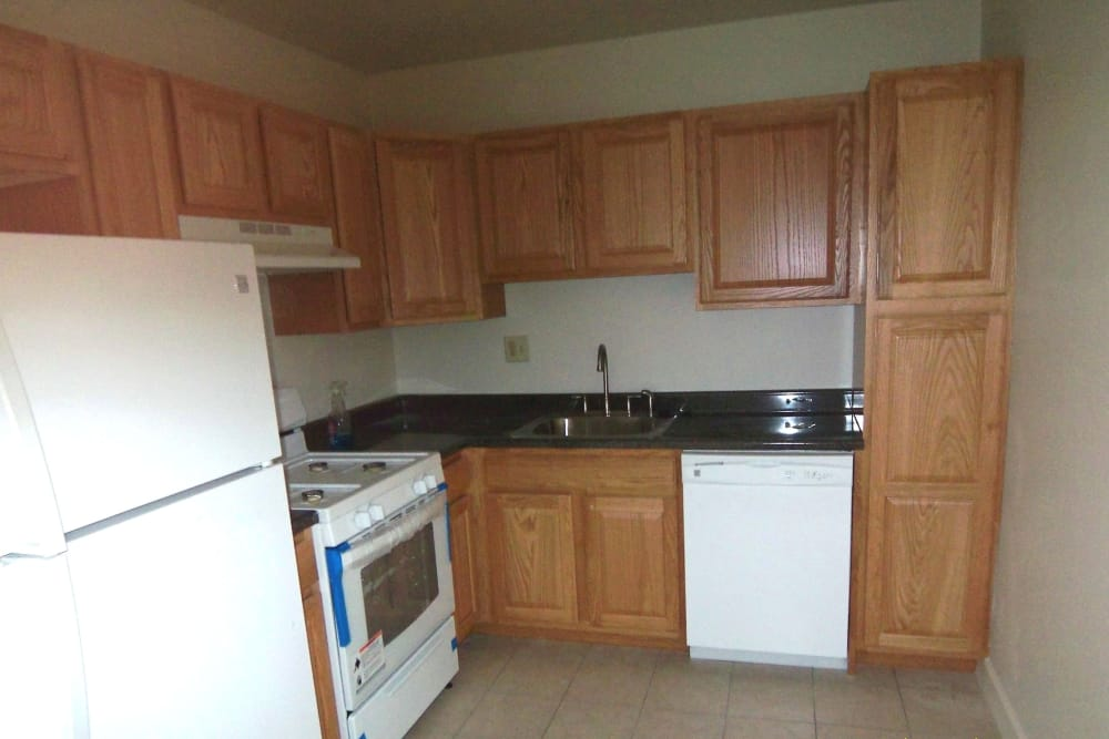 Enjoy a well-equipped kitchen at Jamestown Square Apartments in Blackwood, New Jersey