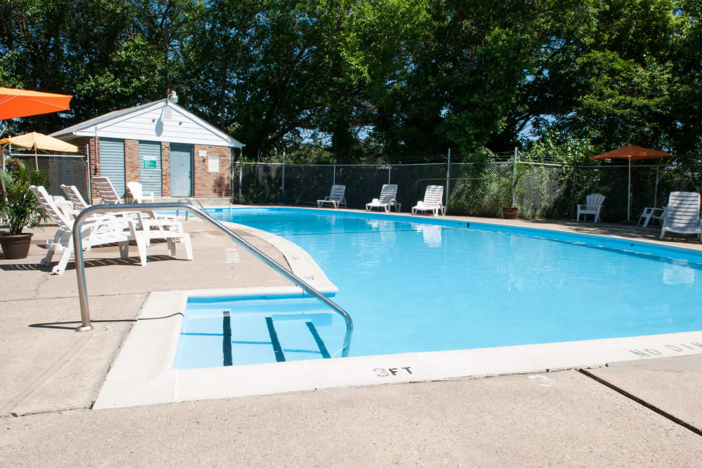 Enjoy a shimmering pool at Jamestown Square Apartments in Blackwood, New Jersey
