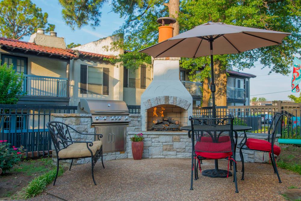 Outdoor patio at Barcelona Apartments in Tulsa, Oklahoma
