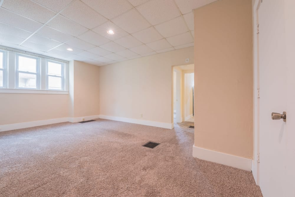 Living room layout in Des Moines, Iowa at Pleasant Street Apartments