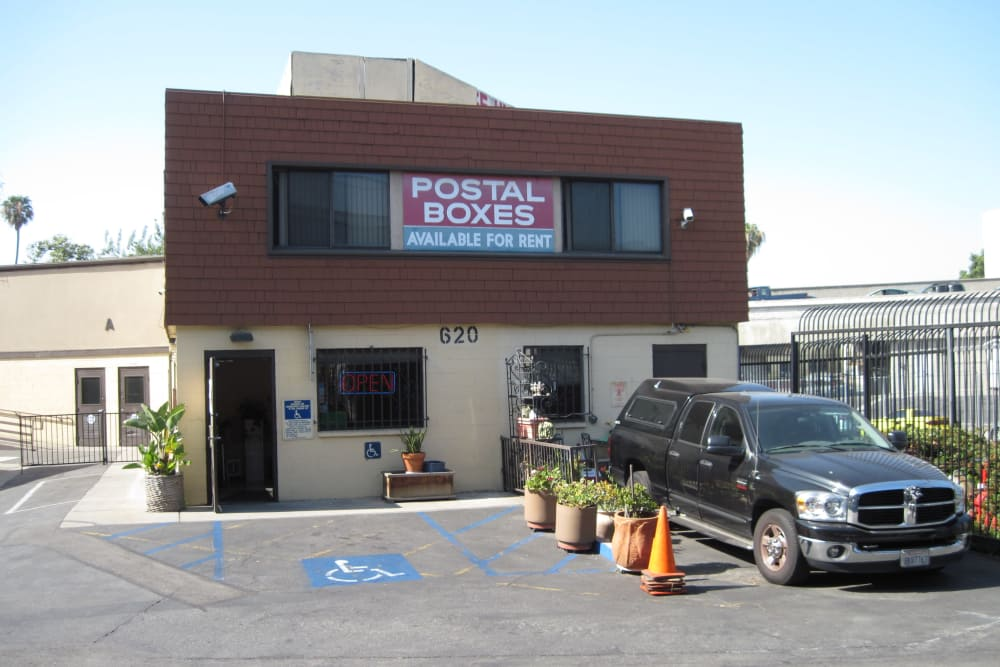 Exterior of BA Self Storage in Los Angeles, California