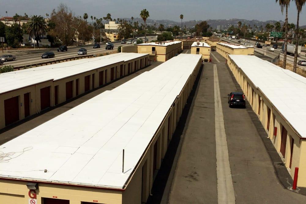 Wide driveways at BA Self Storage in Los Angeles, California