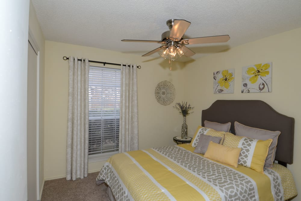 Newport Apartments offers large bedrooms in Amarillo, Texas