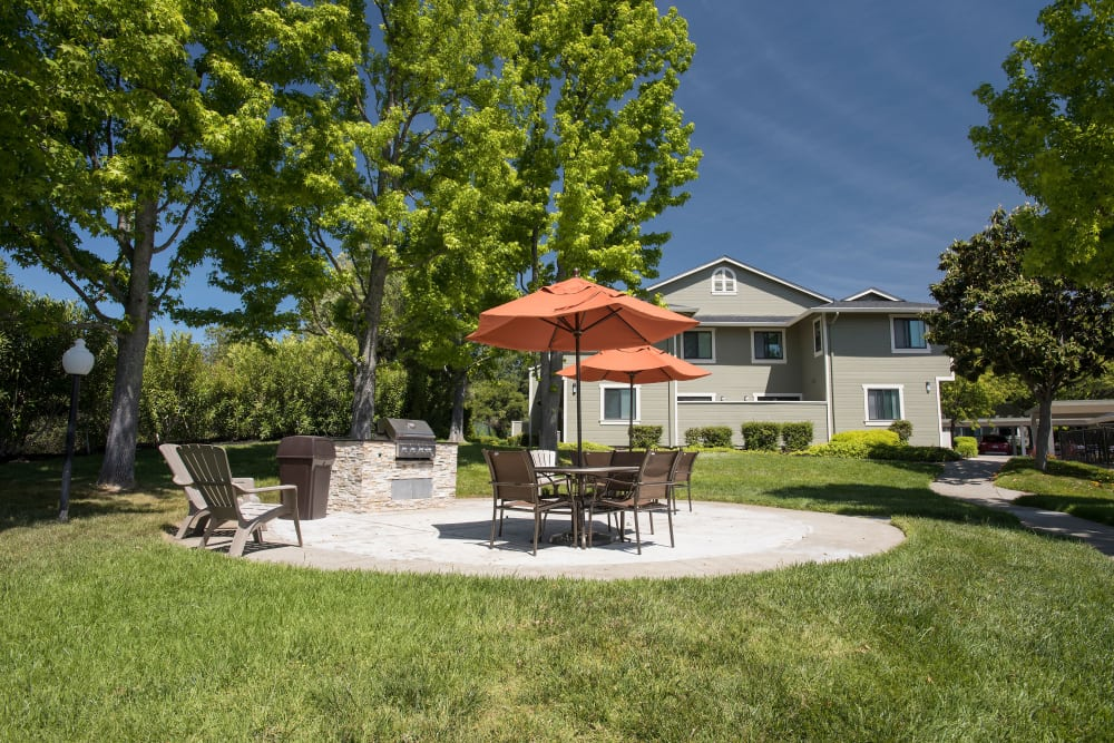 Courtyard with covered sitting area at Ridgecrest Apartment Homes in Martinez, California