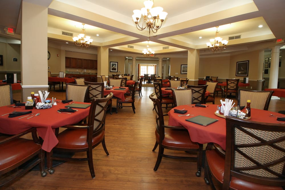 Dining tables at Reunion Court of The Woodlands in The Woodlands, Texas