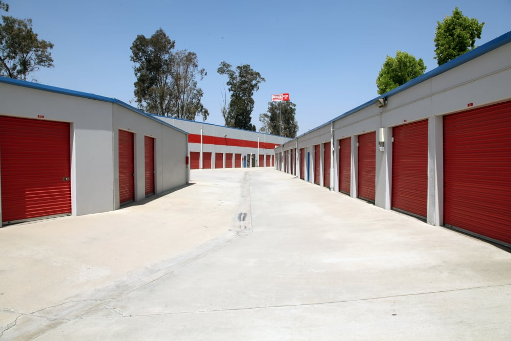 Drive-up units to Trojan Storage in Colton, California