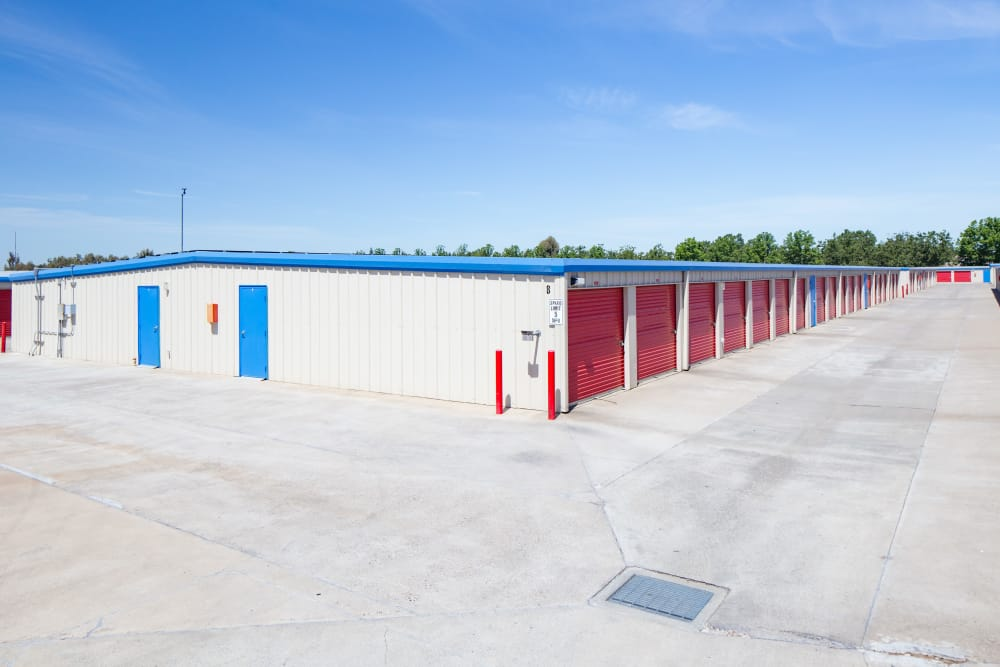 Drive-up units to Trojan Storage in Elk Grove, California