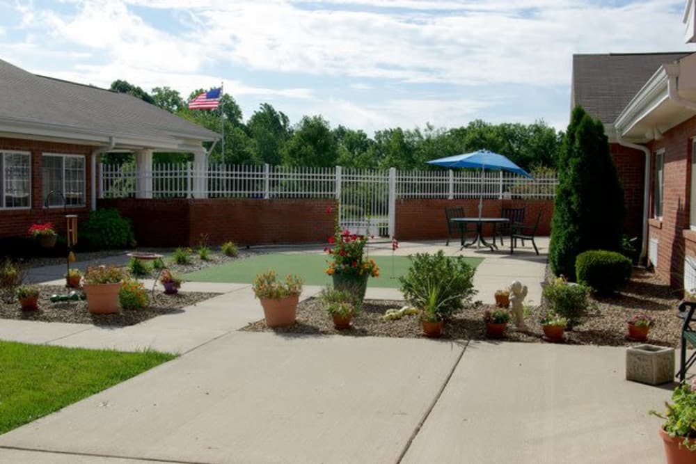 Courtyard and amenities at Mill Pond Health Campus in Greencastle, Indiana