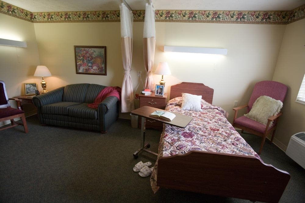Enjoy a beautiful private suite at Glen Ridge Health Campus in Louisville, Kentucky