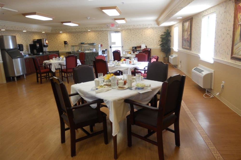Dining hall at Highland Oaks Health Center in McConnelsville, Ohio