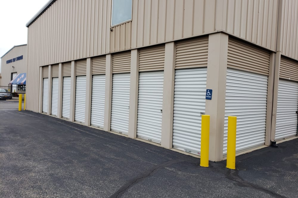 Prime Storage in Bridgehampton, New York exterior storage units