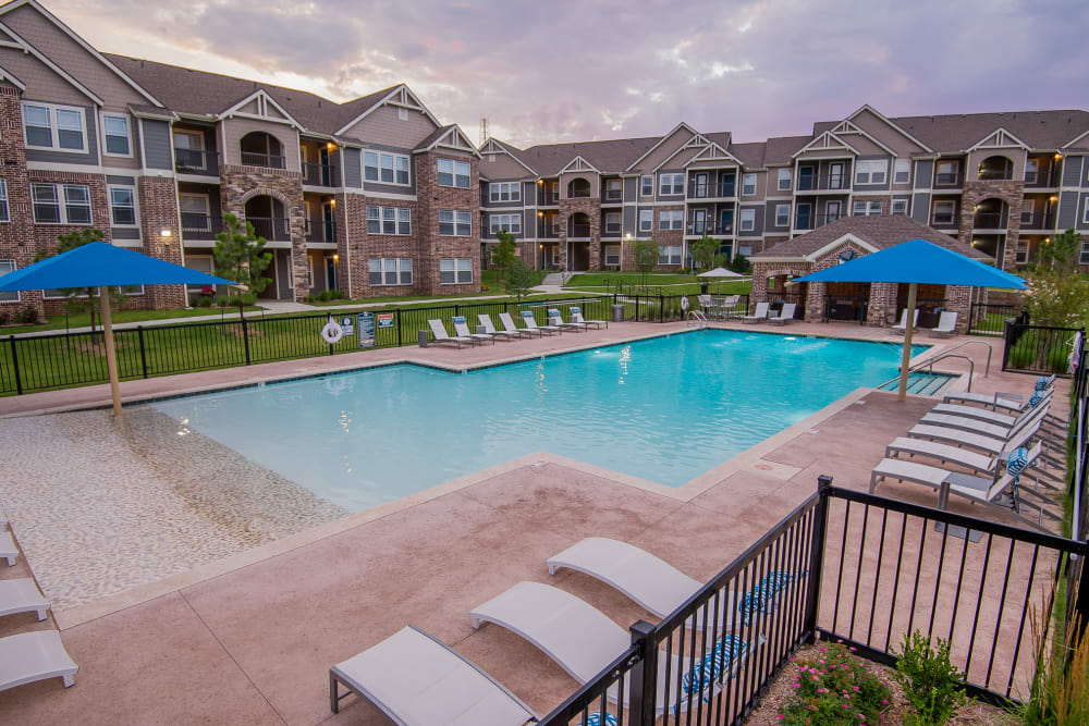 Luxury swimming pool at Scissortail Crossing Apartments in Broken Arrow, Oklahoma