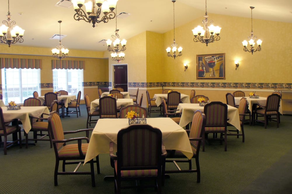 Health Center dining room at The Lakes of Monclova in Maumee, Ohio