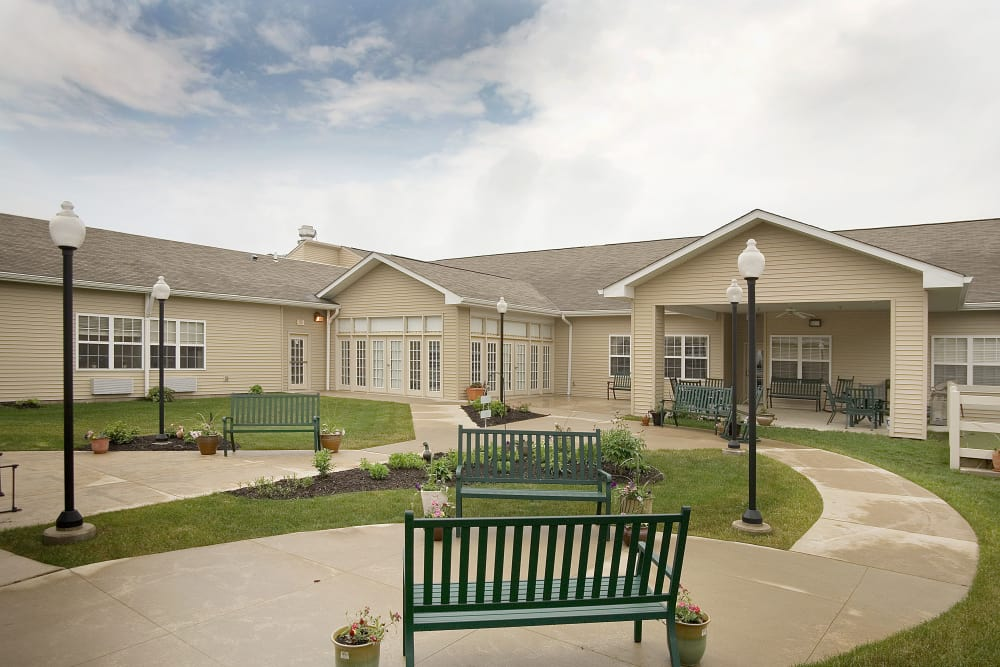 Courtyard at Waterford Crossing in Goshen, Indiana