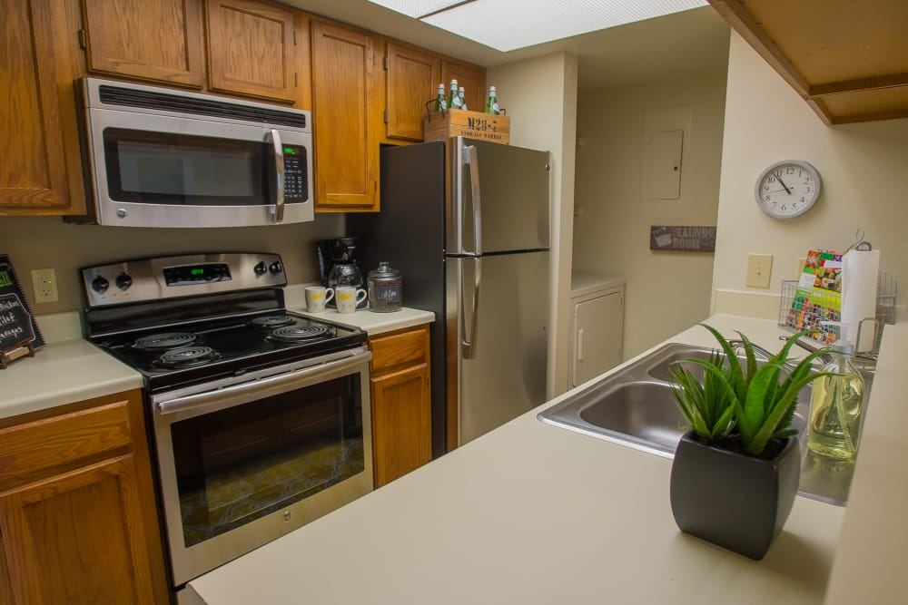 Sheridan Pond offers spacious kitchens in Tulsa, Oklahoma
