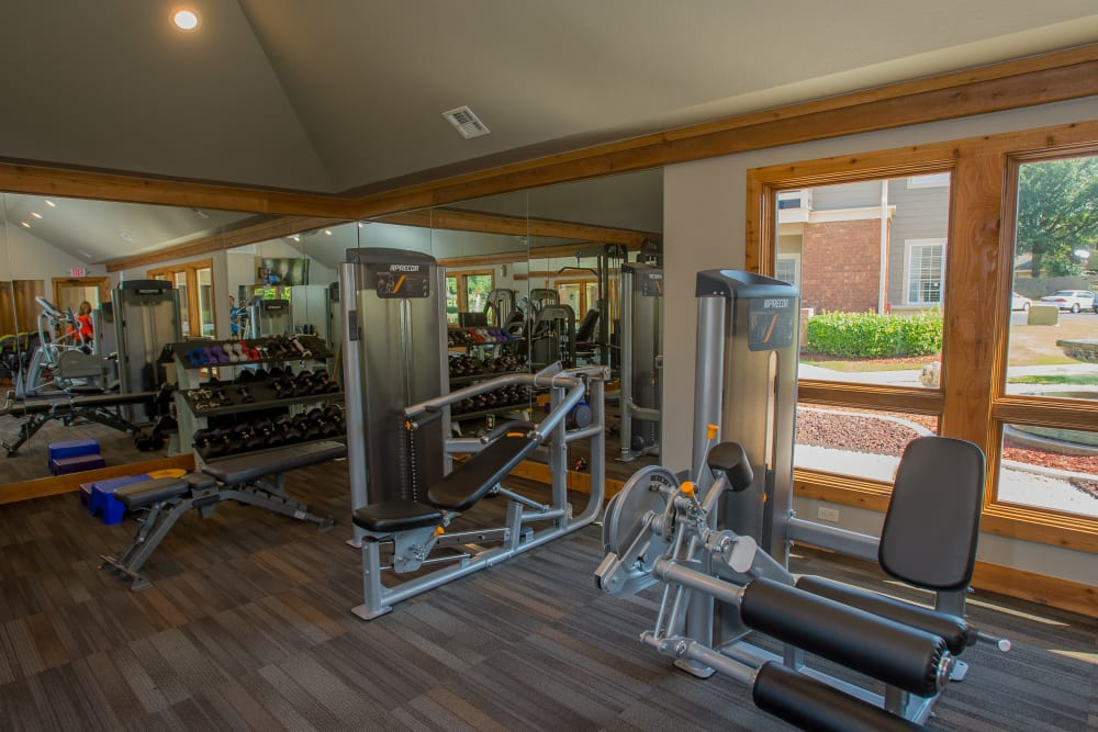 Fully equipped fitness center at Sheridan Pond in Tulsa, Oklahoma