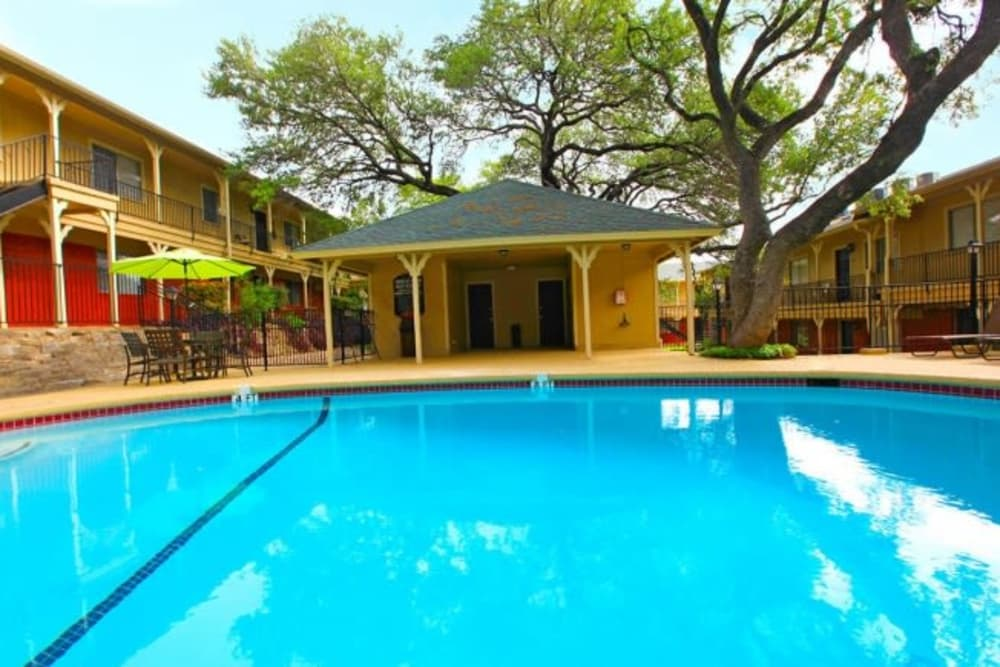Beautiful swimming pool at Bridge at Terracina in Austin, Texas