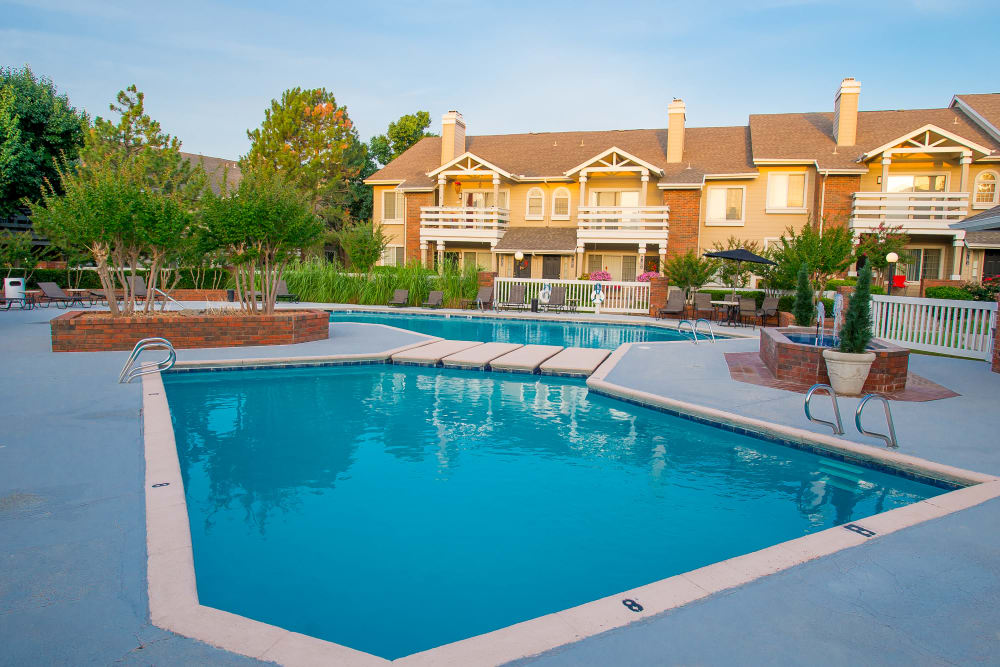 The Courtyards offers a pool in Tulsa, Oklahoma