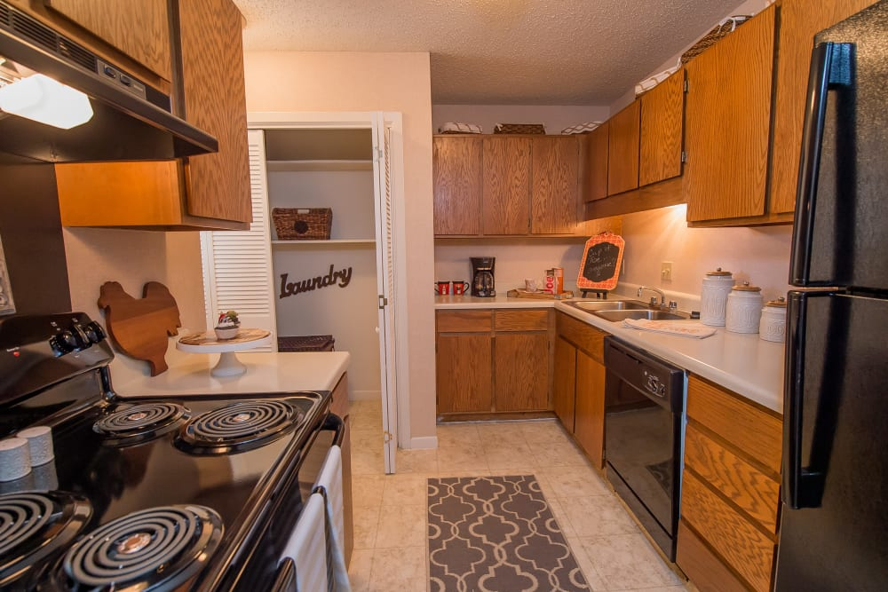 The Mark Apartments offers spacious kitchens in Ridgeland, Mississippi