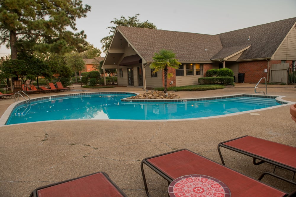 The Mark Apartments offers a resort-style pool in Ridgeland, Mississippi