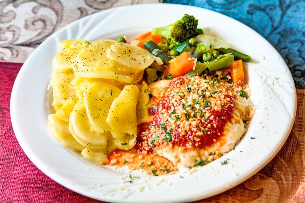 Food at Cascade Valley Senior Living in Arlington.