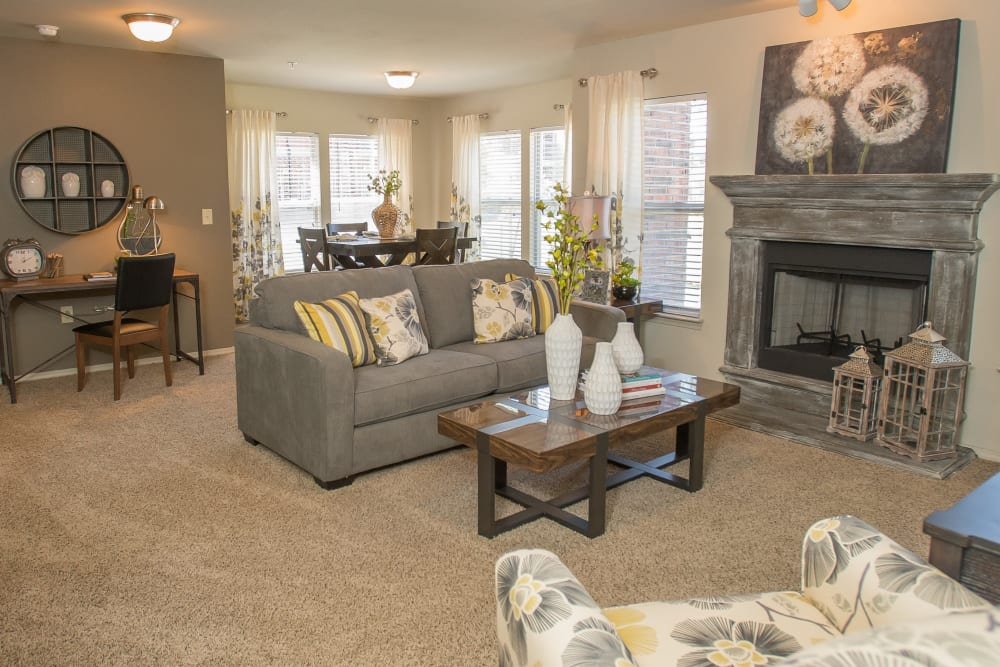 The Reserve at Elm offers spacious living rooms in Jenks, Oklahoma