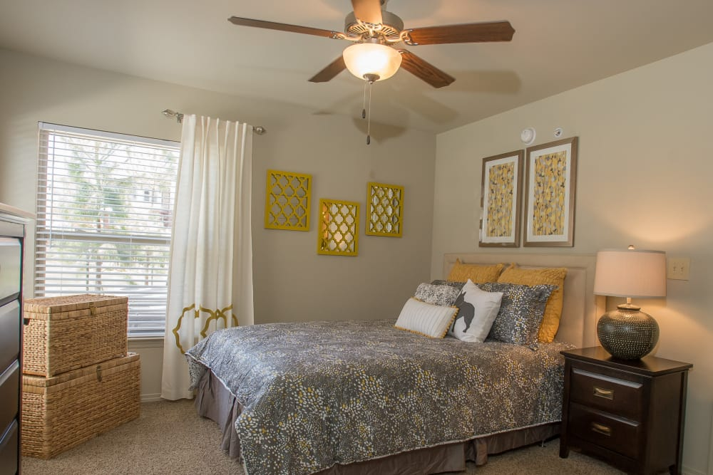 The Reserve at Elm offers spacious bedrooms in Jenks, Oklahoma