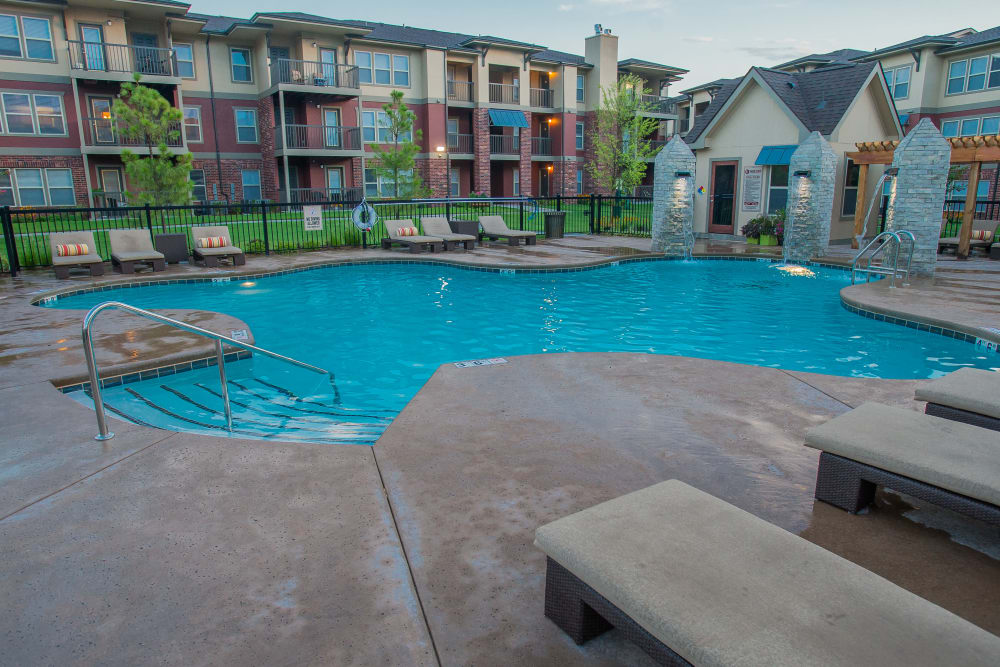 The Reserve at Elm offers a swimming pool in Jenks, Oklahoma