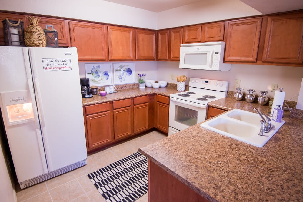 Villas at Aspen Park offers fully equipped kitchens in Broken Arrow, Oklahoma
